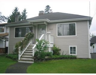 Photo 1: 2121 LONDON Street in New_Westminster: VNWCH House for sale (New Westminster)  : MLS®# V713566