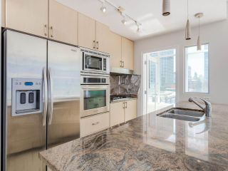 """Photo 8: 803 1211 MELVILLE Street in Vancouver: Coal Harbour Condo for sale in """"The Ritz"""" (Vancouver West)  : MLS®# R2084525"""