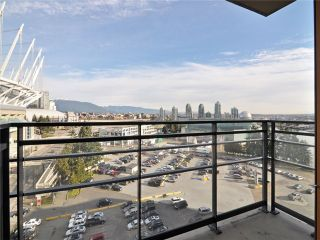 """Photo 8: 1201 33 SMITHE Street in Vancouver: Yaletown Condo for sale in """"Coopers Lookout"""" (Vancouver West)  : MLS®# V924404"""