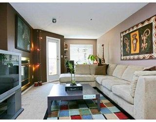 """Photo 3: 307 2335 WHYTE Avenue in Port_Coquitlam: Central Pt Coquitlam Condo for sale in """"CHANCELLOR COURT"""" (Port Coquitlam)  : MLS®# V726576"""