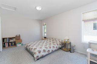 Photo 15: 8415 156 Ave NW in Edmonton: Zone 28 House Half Duplex for sale : MLS®# E4248433