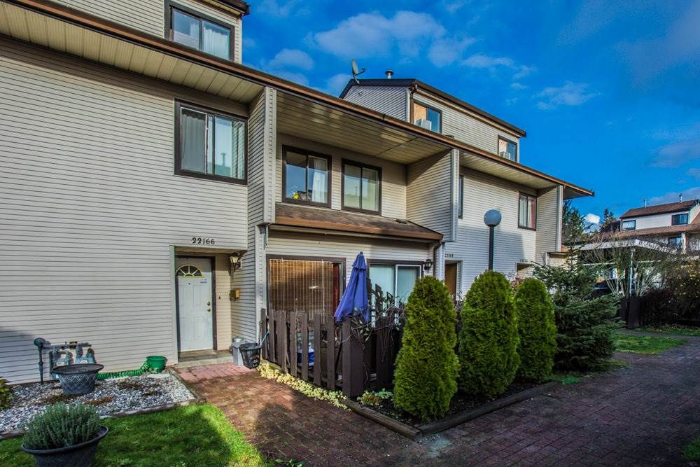 """Main Photo: 22166 122 Avenue in Maple Ridge: West Central Townhouse for sale in """"GOLDEN EARS PLACE"""" : MLS®# R2379206"""