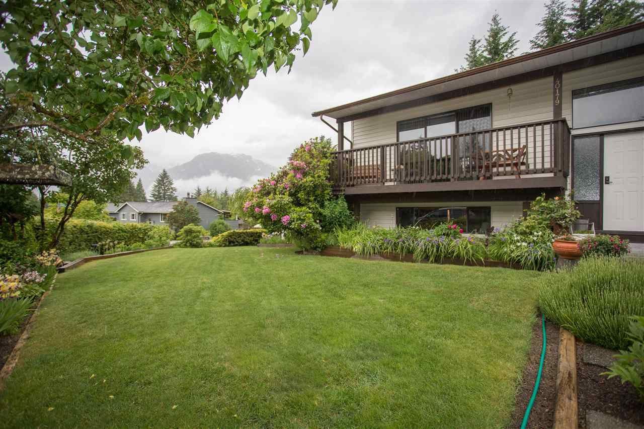 """Main Photo: 40179 KINTYRE Drive in Squamish: Garibaldi Highlands House for sale in """"Garibaldi Highlands"""" : MLS®# R2175925"""