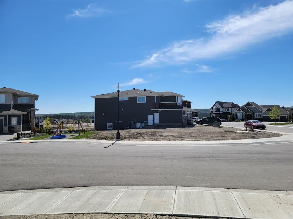 Main Photo: 484 Discovery Place SW in Calgary: Discovery Ridge Residential Land for sale : MLS®# A1144278