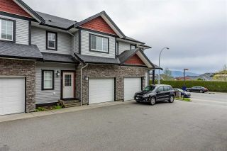 Photo 1: 28 31235 UPPER MACLURE Road in Abbotsford: Abbotsford West Townhouse for sale : MLS®# R2357902