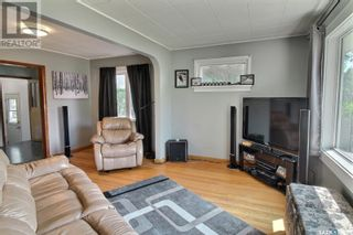 Photo 3: 536 8th ST E in Prince Albert: House for sale : MLS®# SK860377