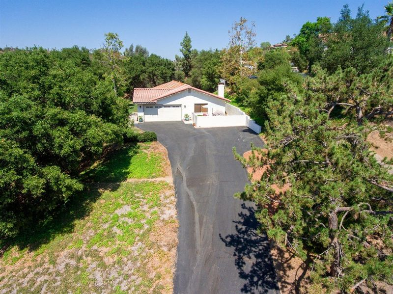 FEATURED LISTING: 818 Brook Canyon Escondido