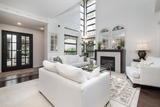 Photo 4: 2 3750 EDGEMONT BOULEVARD in North Vancouver: Edgemont Townhouse for sale : MLS®# R2489279