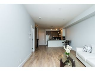 "Photo 10: 203 15956 86 A Avenue in Surrey: Fleetwood Tynehead Condo for sale in ""ASCEND"" : MLS®# R2045552"