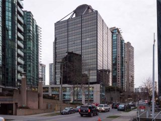 """Photo 1: 511 1333 W GEORGIA Street in Vancouver: Coal Harbour Condo for sale in """"Qube"""" (Vancouver West)  : MLS®# R2439175"""