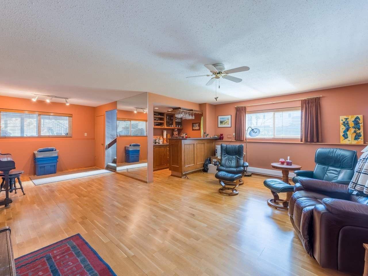 Photo 27: Photos: 808 REGAN Avenue in Coquitlam: Coquitlam West House for sale : MLS®# R2563486