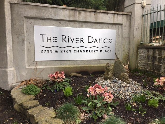 """Main Photo: 701 2763 CHANDLERY Place in Vancouver: Fraserview VE Condo for sale in """"RIVER DANCE"""" (Vancouver East)  : MLS®# R2149681"""