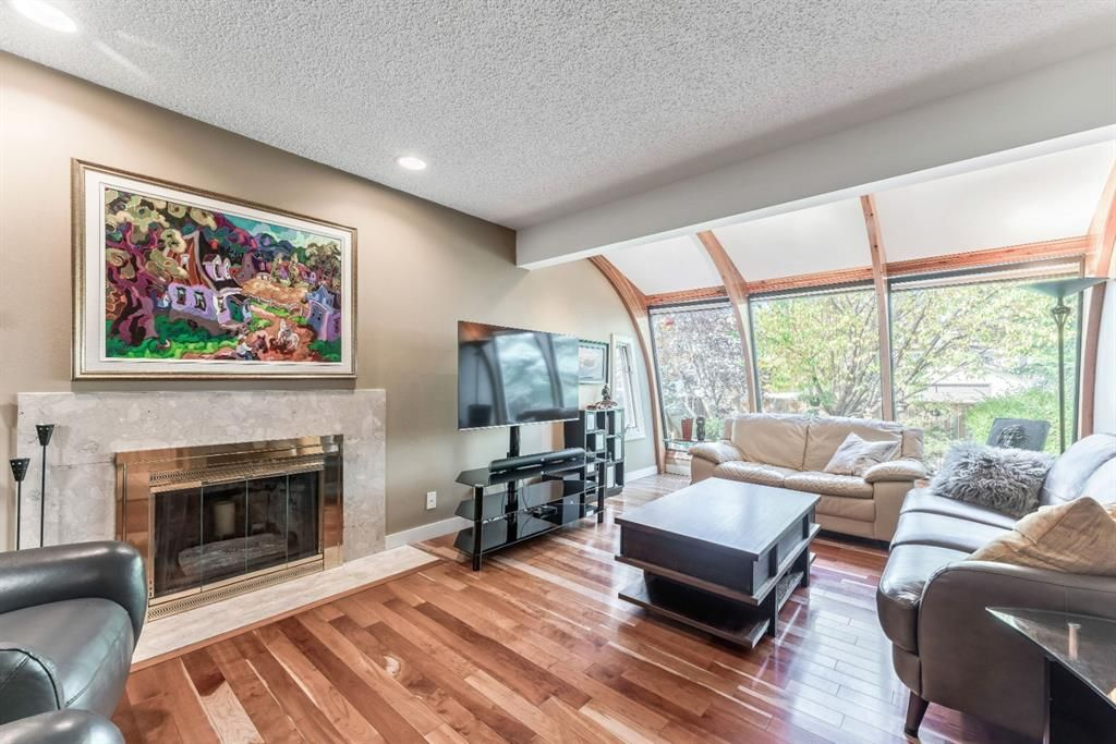 Photo 14: Photos: 84 WOODBROOK Close SW in Calgary: Woodbine Detached for sale : MLS®# A1037845