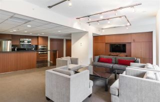 """Photo 33: 2401 833 SEYMOUR Street in Vancouver: Downtown VW Condo for sale in """"CAPITAL RESIDENCES"""" (Vancouver West)  : MLS®# R2544420"""