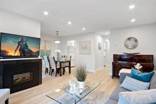 """Photo 3: 31 900 W 17TH Street in North Vancouver: Mosquito Creek Townhouse for sale in """"FOXWOOD"""" : MLS®# R2555250"""