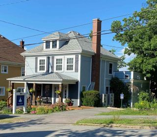 Photo 1: 9 Gaspereau Avenue in Wolfville: 404-Kings County Commercial  (Annapolis Valley)  : MLS®# 202121101