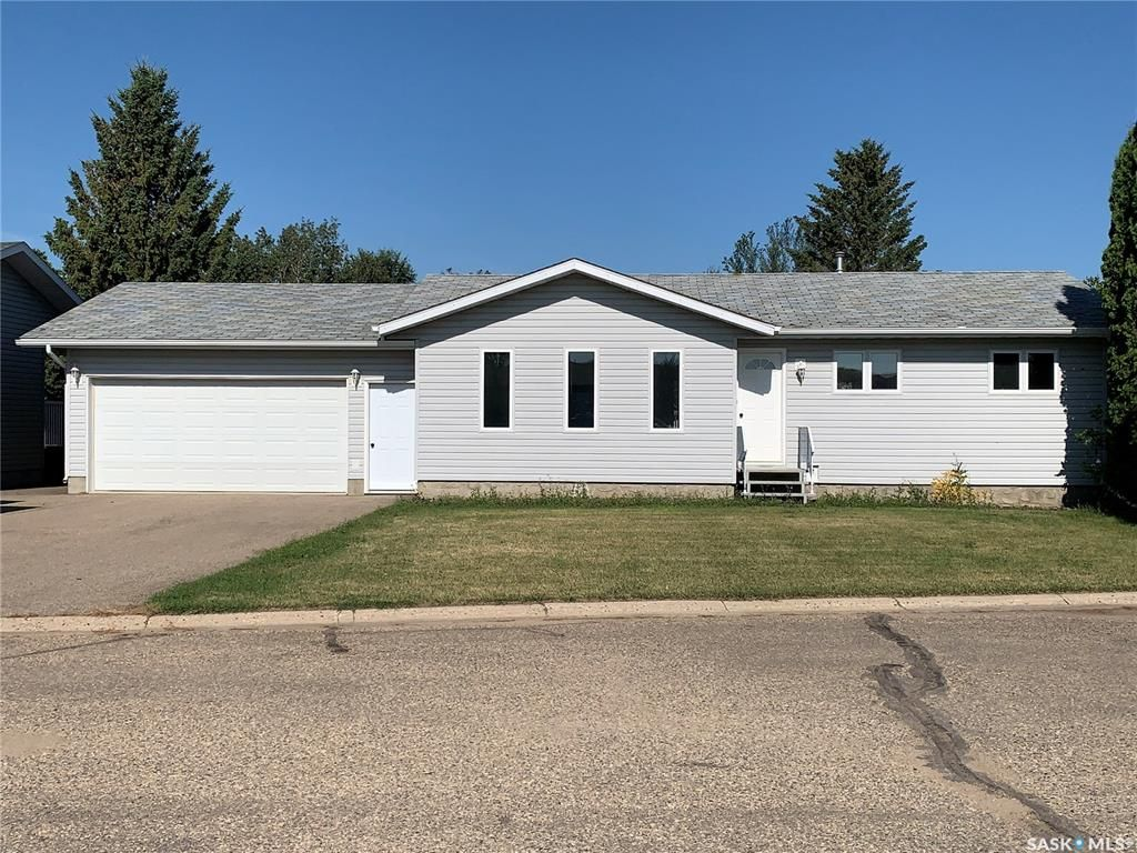 Main Photo: 8 Meadows Place in Watrous: Residential for sale : MLS®# SK842869