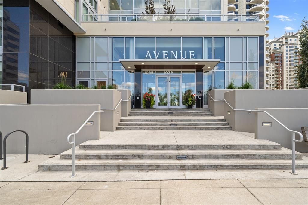 Main Photo: 703 1025 5th Avenue SW in Calgary: Downtown West End Apartment for sale : MLS®# A1148438