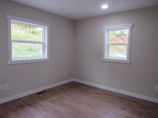 Photo 11: 950A 12TH AVENUE in Montrose: House for sale : MLS®# 2461481