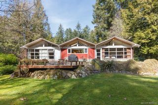 Photo 1: 5715 Old West Saanich Rd in VICTORIA: SW West Saanich House for sale (Saanich West)  : MLS®# 781269