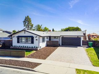 Photo 2: BAY PARK House for sale : 4 bedrooms : 3353 Fox Pl in San Diego