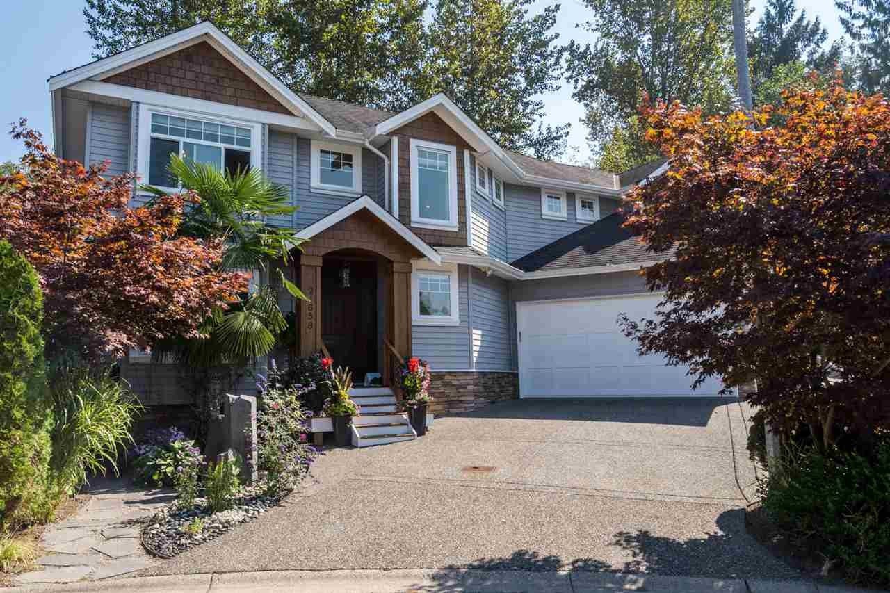"""Main Photo: 21658 92B Avenue in Langley: Walnut Grove House for sale in """"Central Walnut Grove"""" : MLS®# R2495543"""