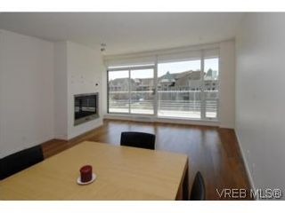 Photo 10: 212 68 Songhees Rd in VICTORIA: VW Songhees Condo for sale (Victoria West)  : MLS®# 499543
