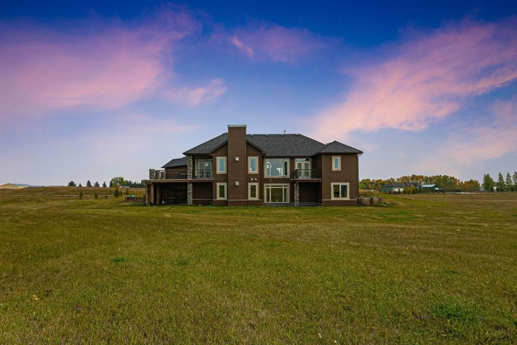 Main Photo: 275051 106 Street E: Rural Foothills County Detached for sale : MLS®# A1087168