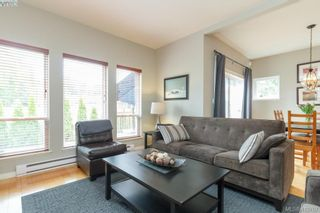 Photo 18: 23 Newstead Cres in VICTORIA: VR Hospital House for sale (View Royal)  : MLS®# 814303