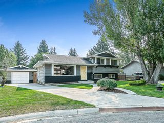 Main Photo: 236 Canniff Place SW in Calgary: Canyon Meadows Detached for sale : MLS®# A1133064