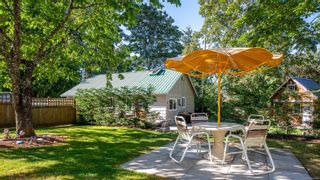 Photo 3: 389 Dorset Rd in : PQ Qualicum Beach House for sale (Parksville/Qualicum)  : MLS®# 854947