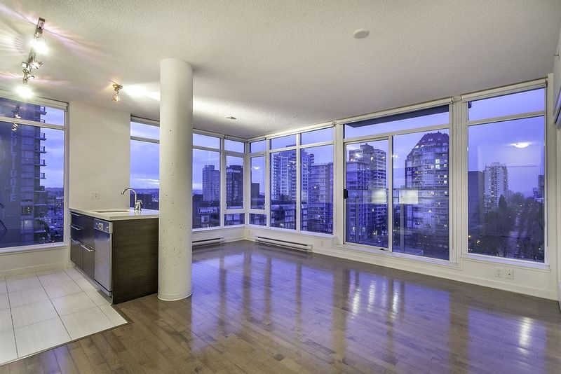 FEATURED LISTING: 1004 1252 HORNBY STREET
