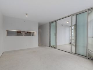 """Photo 5: 1805 1288 ALBERNI Street in Vancouver: West End VW Condo for sale in """"THE PALISADES"""" (Vancouver West)  : MLS®# R2106505"""