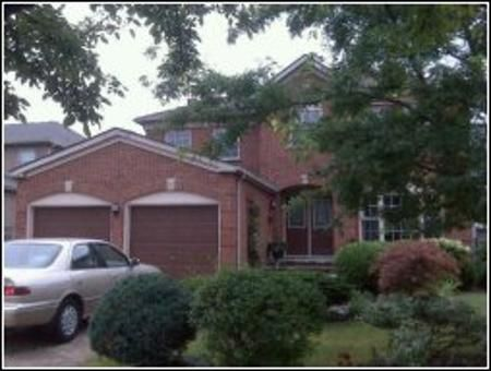 Main Photo: 5 Stratford Crt: Freehold for sale