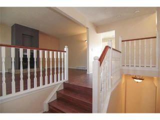 Photo 8: 3440 56 Street NE in Calgary: Temple House for sale : MLS®# C4004202