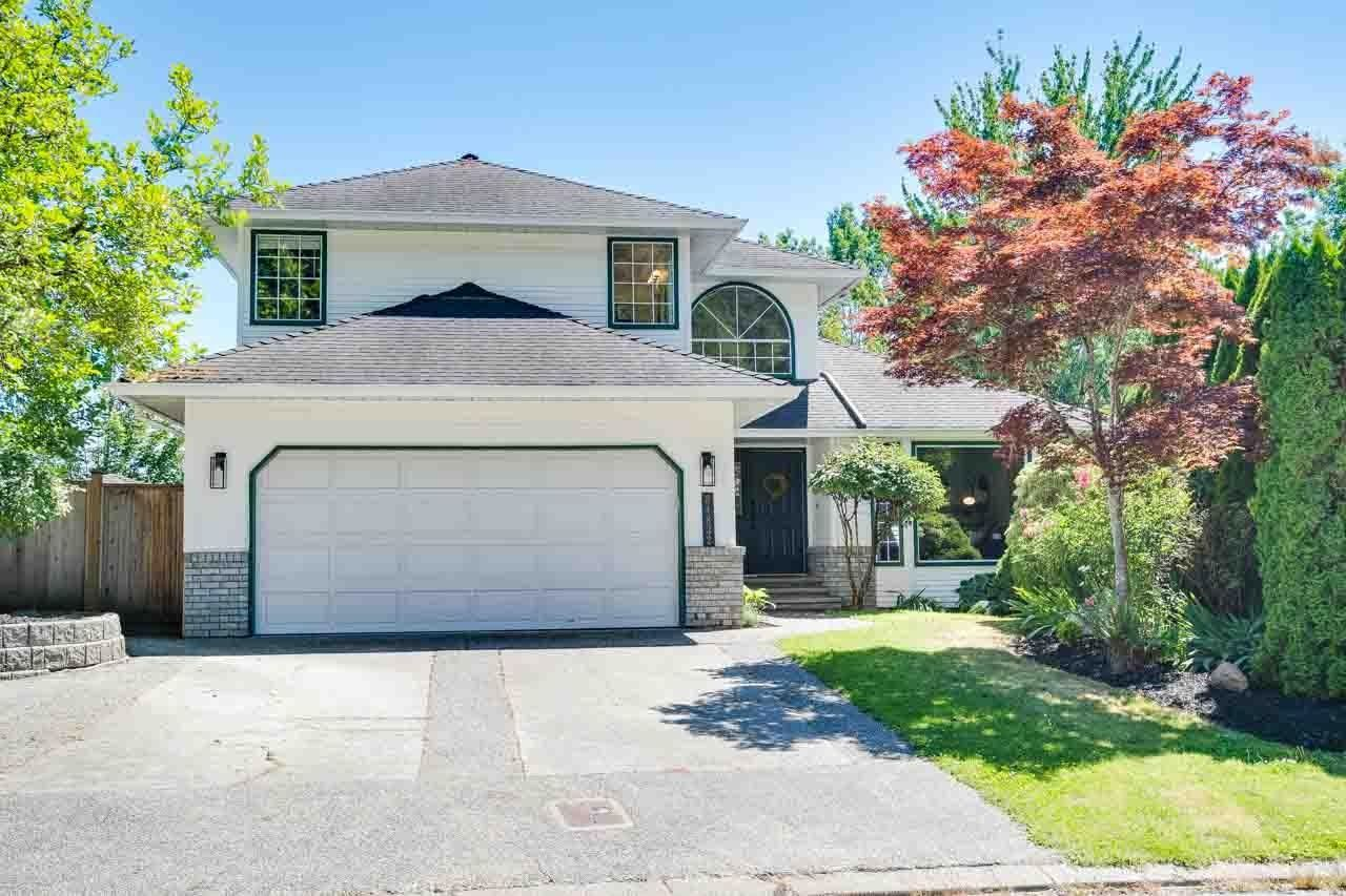 Main Photo: 34832 GLENEAGLES Place in Abbotsford: Abbotsford East House for sale : MLS®# R2595398