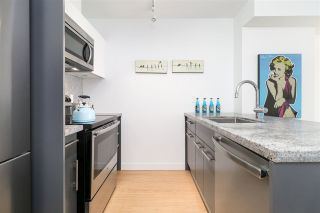 """Photo 5: 912 188 KEEFER Street in Vancouver: Downtown VE Condo for sale in """"188 KEEFER"""" (Vancouver East)  : MLS®# R2306142"""