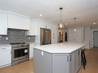 Photo 9: 127 PARKGLEN Crescent SE in Calgary: Parkland House for sale : MLS®# C4160731