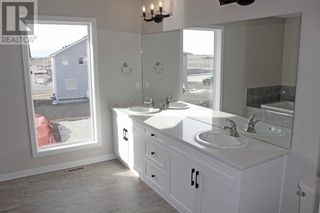 Photo 13: 56 Greywolf Road N in Lethbridge: House for sale : MLS®# A1150667