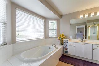 "Photo 10: 49 20881 87 Avenue in Langley: Walnut Grove Townhouse for sale in ""Kew Gardens"" : MLS®# R2451295"