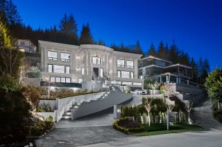 Main Photo: 558 CRAIGMOHR Drive in West Vancouver: Glenmore House for sale : MLS®# R2613207