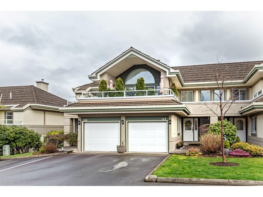 """Main Photo: 147 4001 OLD CLAYBURN Road in Abbotsford: Abbotsford East Townhouse for sale in """"CEDAR SPRINGS"""" : MLS®# R2555932"""