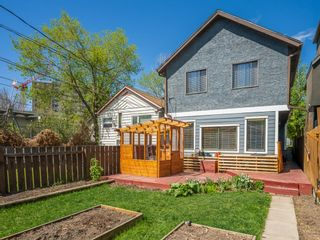 Photo 3: 917 4 Avenue NW in Calgary: Sunnyside Detached for sale : MLS®# A1111156