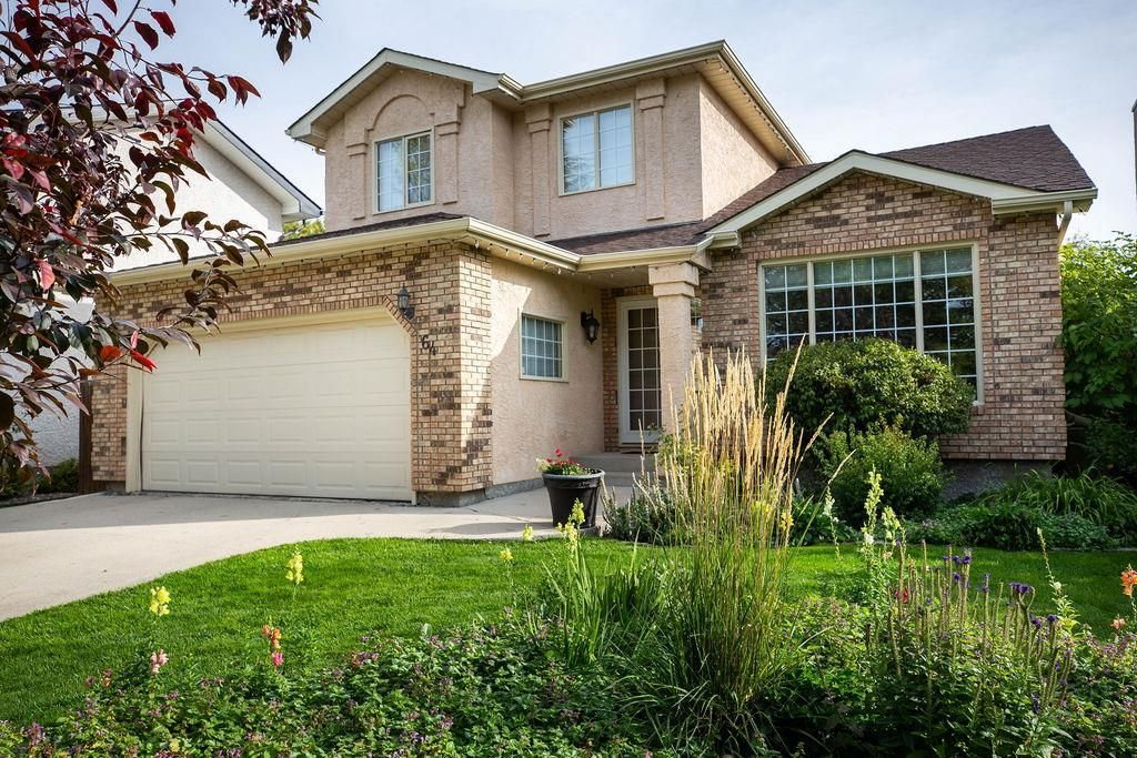 Main Photo: 64 Settlers Road in Winnipeg: River Pointe Residential for sale (2C)  : MLS®# 1929303