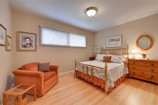 Photo 17: 2336 LONGRIDGE Drive SW in Calgary: North Glenmore Park Detached for sale : MLS®# C4272133
