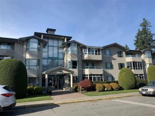 "Photo 1: 301 1569 EVERALL Street: White Rock Condo for sale in ""SEAWYND MANOR"" (South Surrey White Rock)  : MLS®# R2456719"