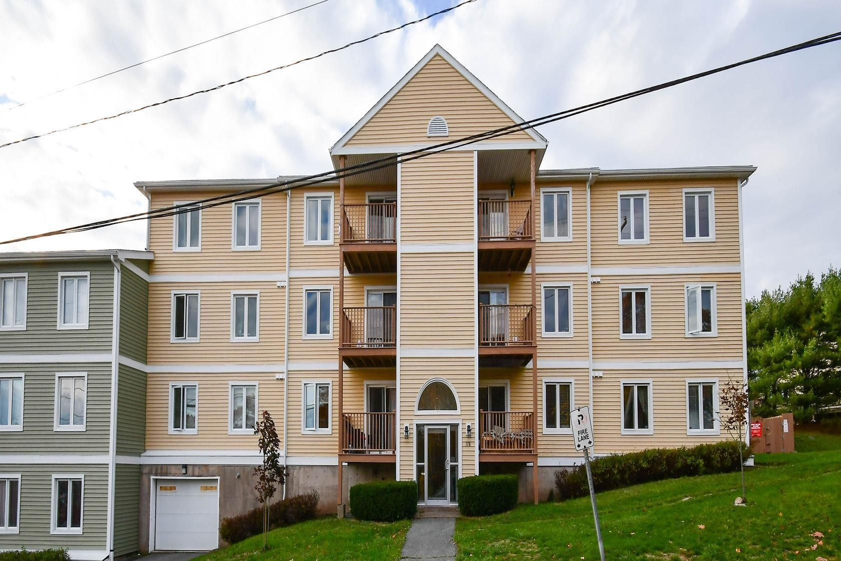 Main Photo: 303 178 Rutledge Street in Bedford: 20-Bedford Residential for sale (Halifax-Dartmouth)  : MLS®# 202117370