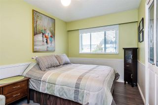 Photo 11: 17027 HEREFORD PLACE in Surrey: Cloverdale BC House for sale (Cloverdale)  : MLS®# R2435487
