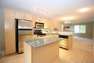 """Photo 7: 4 19250 65 Avenue in Surrey: Clayton Townhouse for sale in """"Sunberry Court"""" (Cloverdale)  : MLS®# R2408587"""
