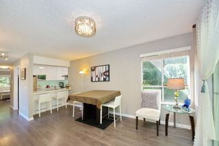 """Photo 10: 3 9000 ASH GROVE Crescent in Burnaby: Forest Hills BN Townhouse for sale in """"Ashbrook Place"""" (Burnaby North)  : MLS®# R2615088"""